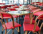 Tische & Stühle für Outdoor und Terrasse mieten bei Hochzeits & Event Catering